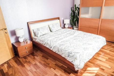 Сдается 3-комнатная квартира посуточно в Екатеринбурге, Свердловская область,улица Мельникова, 20.