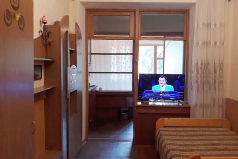 Сдается 2-комнатная квартира посуточно в Симеизе, Республика Крым. г Ялта. пгт Симеиз. ул Советская 38 кв18.