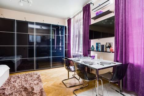 Сдается 1-комнатная квартира посуточно, Большая Бронная улица, 19.