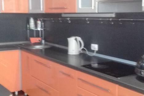 Сдается 1-комнатная квартира посуточно в Оренбурге, Салмышская улица, 58.