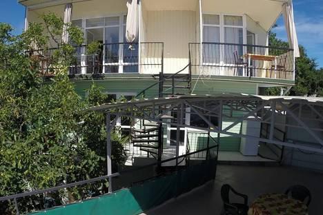 Сдается коттедж посуточно в Малом маяке, Республика Крым, городской округ Алушта,ул.Почтовая, 2.