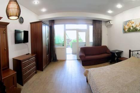 Сдается 1-комнатная квартира посуточно в Ялте, Республика Крым,ул. Ломоносова, 37а.