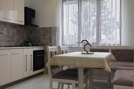 Сдается 3-комнатная квартира посуточно в Кобулети, Кобулети. 3х комнатная квартира 250 метров до пляжа.