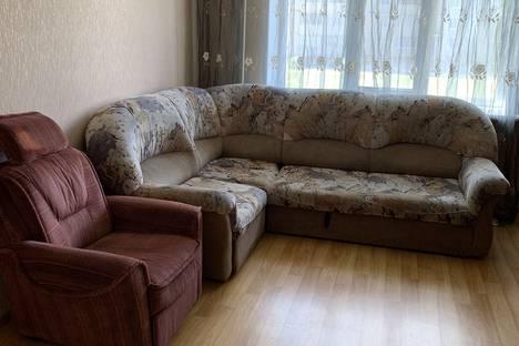 Сдается 2-комнатная квартира посуточно, улица Строителей, 52.