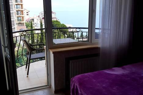 Сдается 1-комнатная квартира посуточно в Массандре, Республика Крым, Ялта, пгт Отрадное, Морской спуск 9.