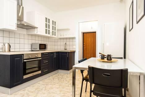 Сдается 1-комнатная квартира посуточно в Екатеринбурге, улица Щорса, 35.