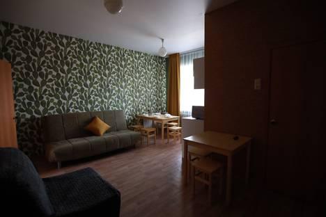 Сдается 2-комнатная квартира посуточно в Златоусте, улица Мельнова, 2А.