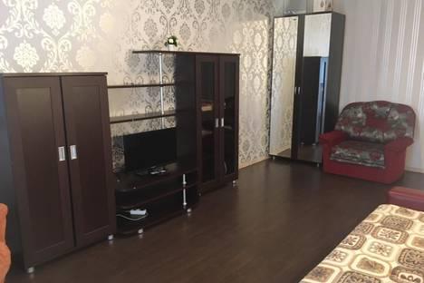 Сдается 1-комнатная квартира посуточно, Орджоникидзе 18.