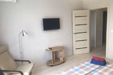 Сдается 1-комнатная квартира посуточно в Тюмени, улица 50 лет Октября, 57Ак1.