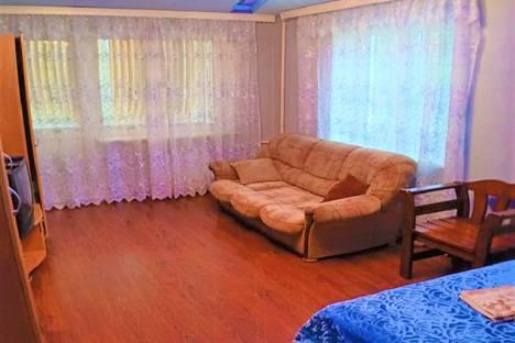 Сдается 2-комнатная квартира посуточно в Ангарске, улица Чайковского, 25.