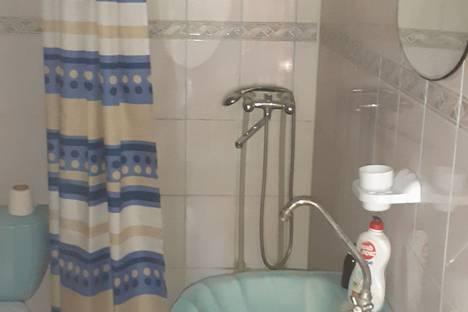 Сдается комната посуточно в Саках, Республика Крым,евпаторийское шоссе сот садовод 1 ул приморская дом 8.