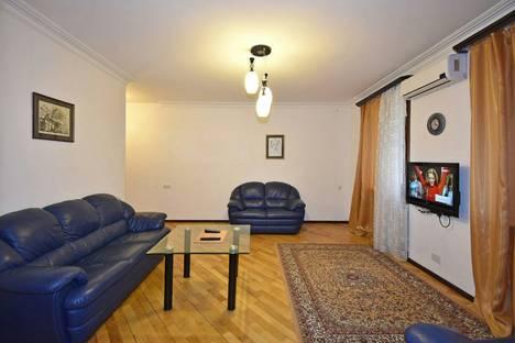 Сдается 2-комнатная квартира посуточно в Ереване, улица Налбандяна, 35.