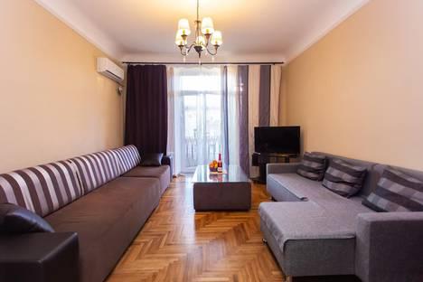 Сдается 2-комнатная квартира посуточно в Волгограде, Советская улица, 28.