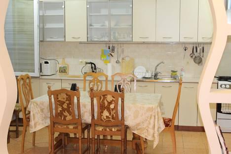 Сдается 2-комнатная квартира посуточно в Актау, Мангистауская область,14-й микрорайон 59 дом.