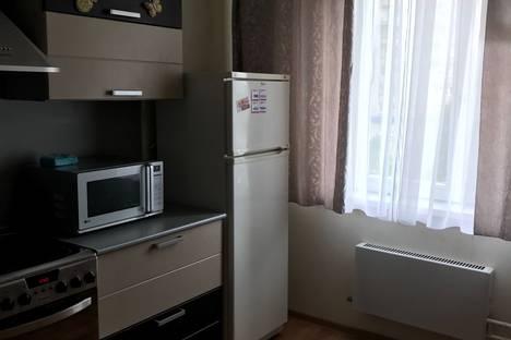 Сдается 1-комнатная квартира посуточно, улица Ленина, 63, подъезд 2.