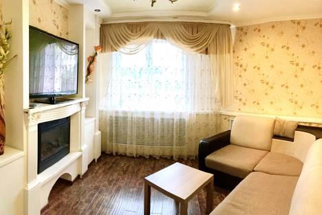 Сдается 3-комнатная квартира посуточно в Брянске, Красноармейская улица, 100.