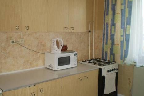 Сдается 3-комнатная квартира посуточно в Дзержинске, ул.Петрищева ,дом 18.