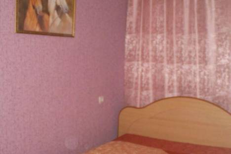 Сдается 2-комнатная квартира посуточнов Дзержинске, Строителей 10а.