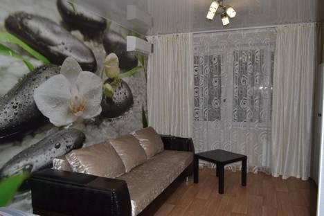 Сдается 1-комнатная квартира посуточно в Набережных Челнах, ул. Шамиля Усманова, 12.