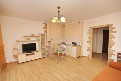 Сдается 1-комнатная квартира посуточнов Тюмени, ул. 50 лет влксм 13 к1.