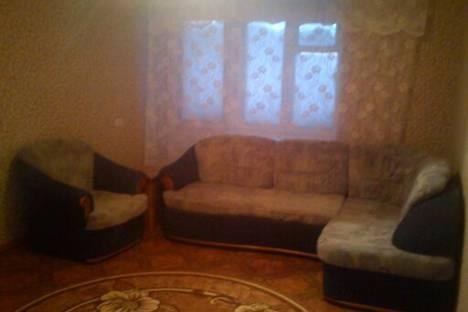 Сдается 1-комнатная квартира посуточно в Лесосибирске, Привокзальная 77.