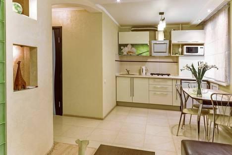 Сдается 1-комнатная квартира посуточно в Саратове, чапаева 75.