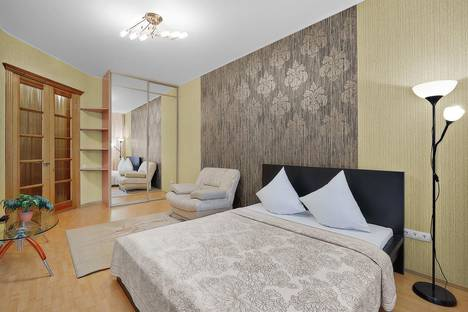 Сдается 1-комнатная квартира посуточно, ул. Карташова , 3.