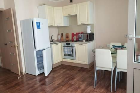 Сдается 1-комнатная квартира посуточно в Красноярске, Караульная улица, 42.