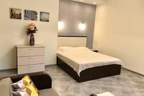 Сдается 1-комнатная квартира посуточно, улица Николая Островского, 30.