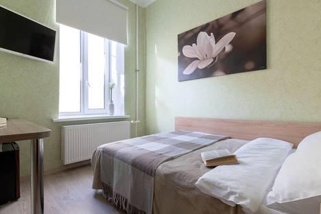 Сдается 1-комнатная квартира посуточно в Сызрани, Санкт-Петербург, Гончарная улица, 18, подъезд 2.