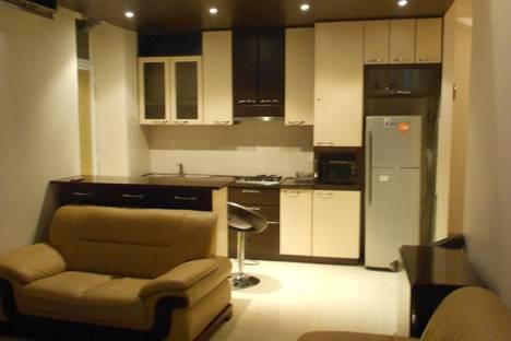 Сдается 3-комнатная квартира посуточно, Yerevan, Nalbandyan Street, 7/1.