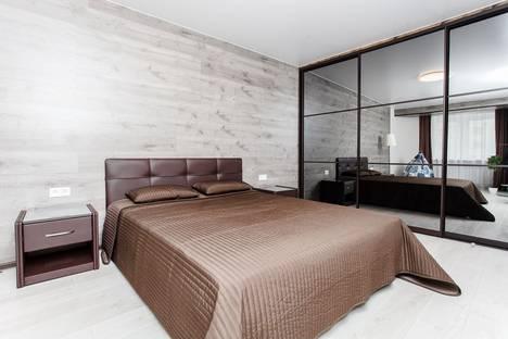 Сдается 2-комнатная квартира посуточно, улица Максима Горького, 140.
