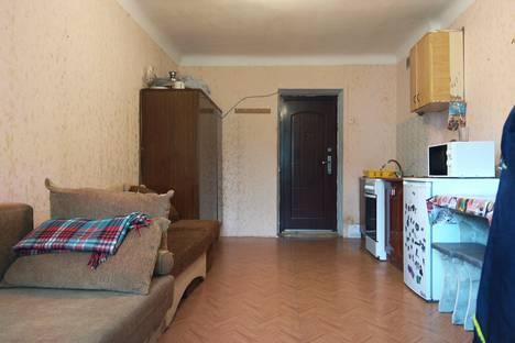 Сдается 1-комнатная квартира посуточно в Массандре, Республика Крым, городской округ Ялта,Стахановская улица, 1.