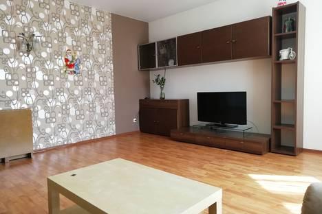 Сдается 3-комнатная квартира посуточно в Екатеринбурге, Свердловская область,улица Фурманова, 123.