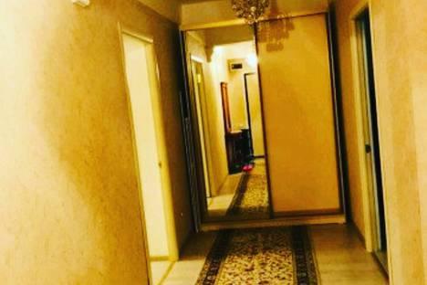 Сдается 2-комнатная квартира посуточно в Тарке, Махачкала, проспект Имама Шамиля, 93.