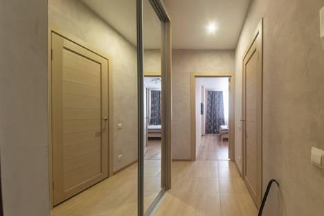 Сдается 2-комнатная квартира посуточно, улица Алексея Козина, 3А.