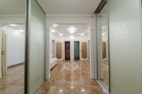 Сдается 2-комнатная квартира посуточно в Казани, Лево-Булачная улица, 16.