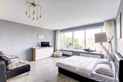 Сдается 1-комнатная квартира посуточно в Екатеринбурге, улица Белинского, 108.