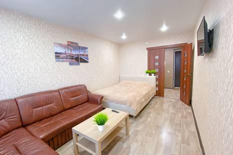 Сдается 1-комнатная квартира посуточно, улица Калинина, 14.