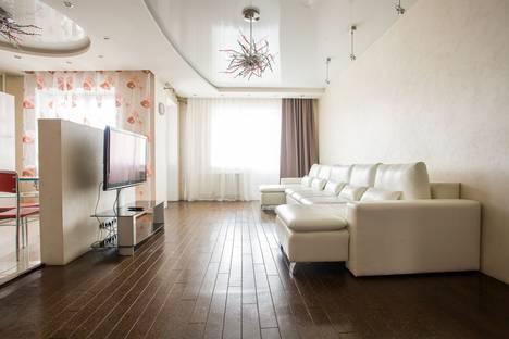 Сдается 3-комнатная квартира посуточно в Красноярске, улица Железнодорожников, 20Д.