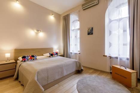 Сдается 1-комнатная квартира посуточно в Санкт-Петербурге, Большой проспект Петроградской стороны, 33.