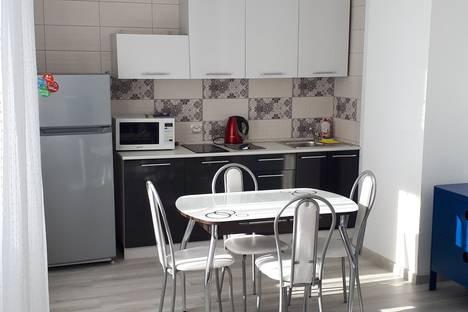 Сдается 1-комнатная квартира посуточно в Екатеринбурге, микрорайон Академический, проспект Академика Сахарова, 45.