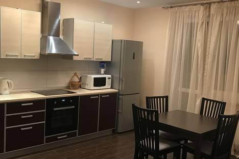 Сдается 2-комнатная квартира посуточно, Яна-Полуяна 51/1.