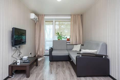 Сдается 2-комнатная квартира посуточно в Хабаровске, Владивостокская улица, 44А.