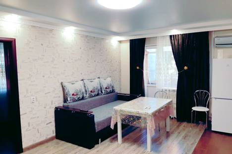 Сдается 2-комнатная квартира посуточно в Майкопе, Республика Адыгея,улица Ленина, 2.
