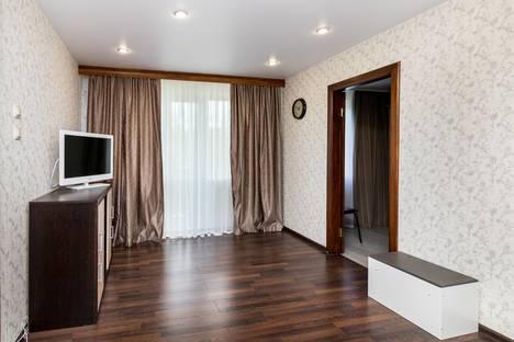 Сдается 2-комнатная квартира посуточно в Тюмени, улица Пермякова, 6А.