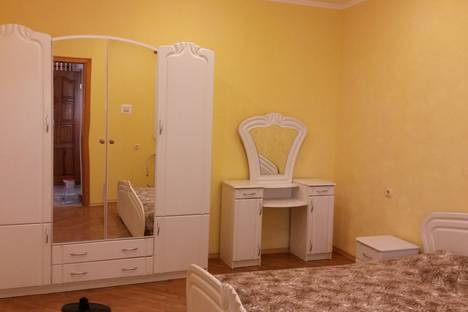 Сдается 2-комнатная квартира посуточно в Ялте, Республика Крым,Дражинского18.