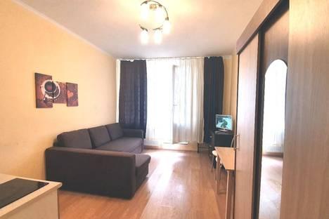 Сдается 1-комнатная квартира посуточно, Пражская улица, 15.