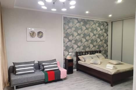 Сдается 1-комнатная квартира посуточно в Омске, улица Масленникова, 58.