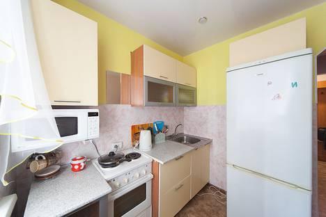 Сдается 1-комнатная квартира посуточно, проспект Кирова, 64.